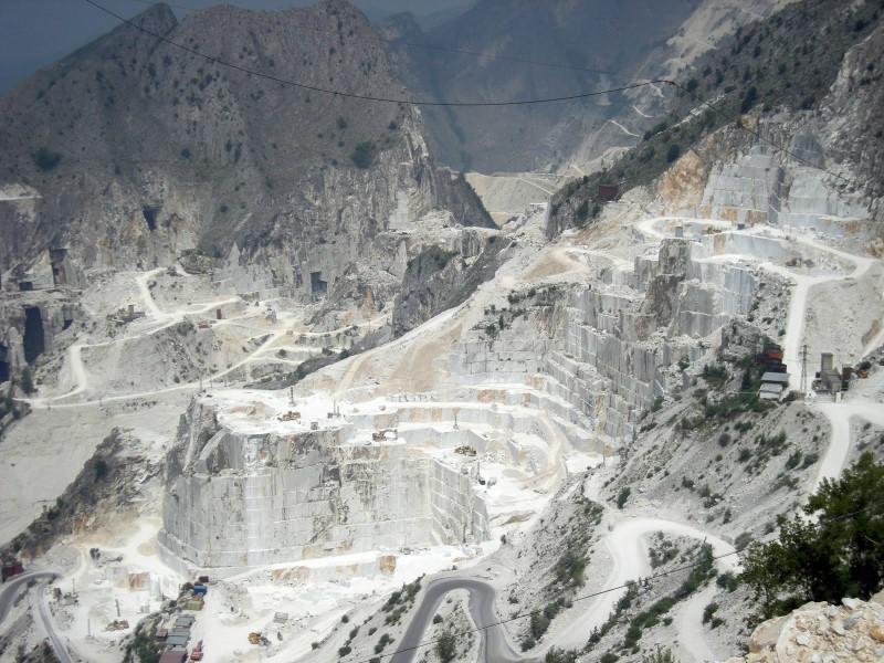 carrara-mountains